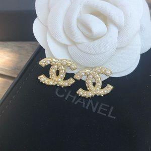 Gold embellished Chanel cc logo earrings